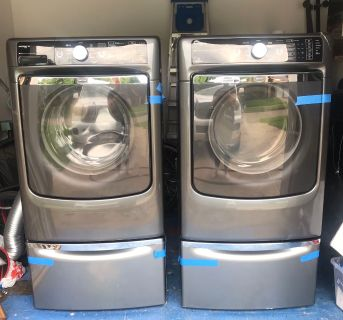 Maytag washer and gas dryer set