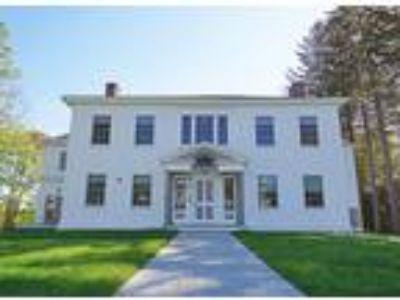 Walker House Residences - Garden Level Suite 1