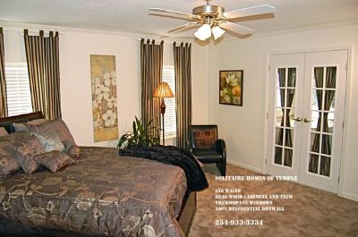 LOOK AT THIS MASTER SUITE (SOLITAIRE HOMES TEMPLE TX)