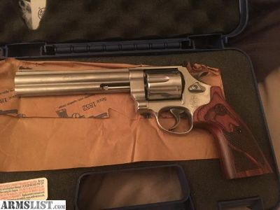For Sale: Smith&wesson model 629 44 magnum