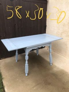 Super cute dining table
