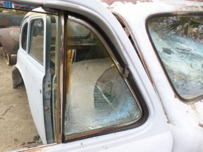 Purchase 39 40 BUICK RIGHT FRONT PASSENGERS SIDE DOOR VENT WING WINDOW GLASS FRAME motorcycle in Albert Lea, Minnesota, US, for US $60.00
