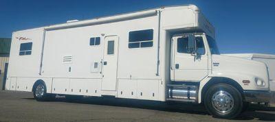 $87,500, 2003 Haulmark Motorcoach Freightliner Chassis CatC12 Diesel Motorhome