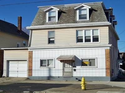 House for Sale in Erie, Pennsylvania, Ref# 747888