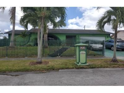 4 Bed 2 Bath Preforeclosure Property in Miami, FL 33157 - SW 164th St