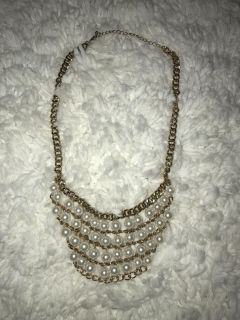 Short Gold Chain Pearl Necklace