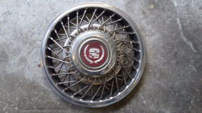 """Purchase 87 Cadillac Fleetwood D'Elegance Wire Spoked Hubcap 14"""" hub cap motorcycle in Clermont, Florida, United States, for US $35.00"""