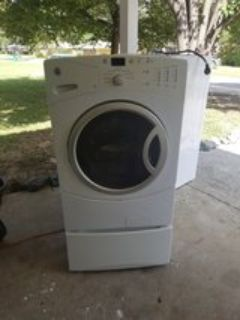 White GE front loader washer works great