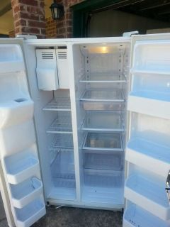 $175, Priced to sell fast Very nice SAMSUNG Refrigerator