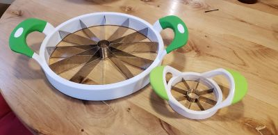 Watermelon and apple slicer