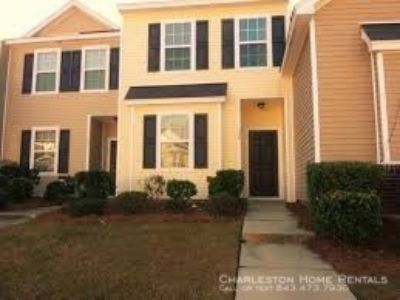 - 2 Bedroom 2.5 Bath Townhouse in Liberty Hall Plantation - Goose Creek