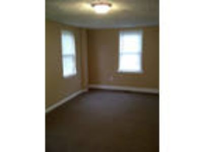 3 BR, Camden - convenient location. Single Car Garage!