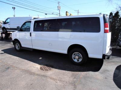 "2016 Chevrolet EXT EXPRESS 13 PASSENGER RWD 3500 155"" LT w/1LT (Summit White)"