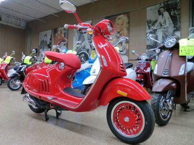 2018 Vespa 946 Scooter Downers Grove, IL