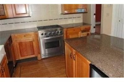 2 bedrooms Duplex/Triplex - Great room open to kitchen withgranite island.