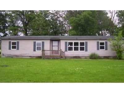 3 Bed 2 Bath Foreclosure Property in Centralia, IL 62801 - Cedar Creek Dr