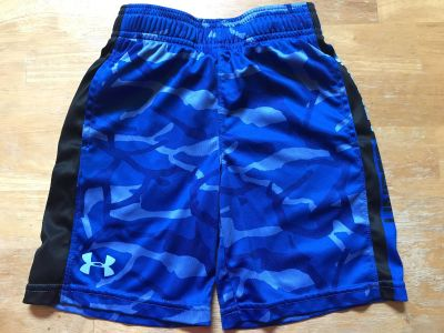 Size 6 Under Armour boys shorts