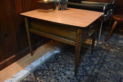 Vintage MCM Lane Side Table
