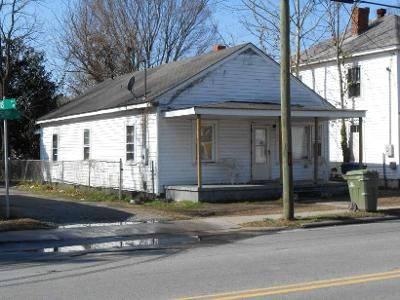 3 Bed 1 Bath Foreclosure Property in Washington, NC 27889 - W 5th St