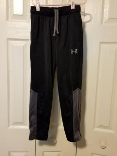 Boys under armour pants great condition YS