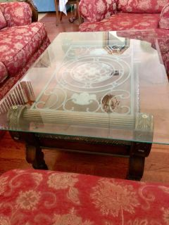 Beautiful coffee table and 2 end tables. Excellent condition. Real oak wood detailed carved work.