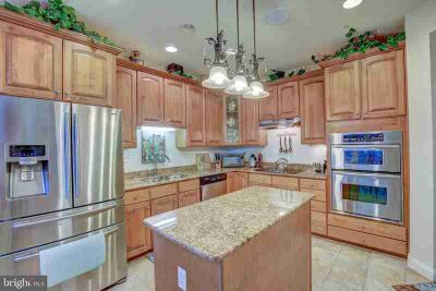 7658 Porcelain Tile CT Odenton Four BR, Stunning 55+ villa with