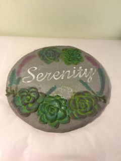 NWT Serenity cement steppingstone, 10 x 10 . Retail $9.99