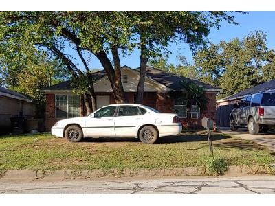 3 Bed 2.0 Bath Preforeclosure Property in Fort Worth, TX 76105 - Fitzhugh Ave