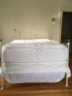 Antique Wraught Iron Bed Full