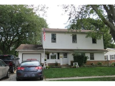 2.5 Bath Preforeclosure Property in Elk Grove Village, IL 60007 - Carswell Ave