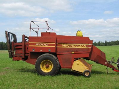 New Holland 2000 Baler for sale in Stoystown, PA.