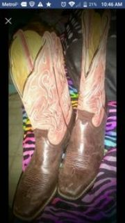 Ariat legend boots, size 8 in womens..PM me if interested..