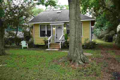 118 Ruth Lane BACLIFF Two BR, Adorable little cottage just a