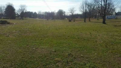5397 Hodgenville Road Greensburg, 6 Acres available behind
