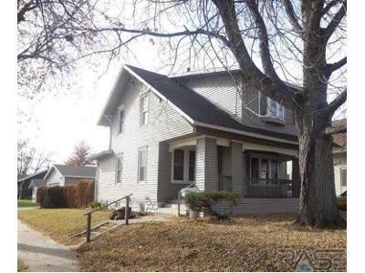 3 Bed 1 Bath Foreclosure Property in Sioux Falls, SD 57103 - E 8th St