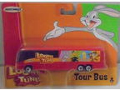 MJ7 Matchbox - 2003 Tour Bus - Red - Looney Tunes