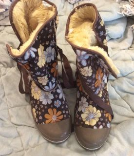 Flowered boots