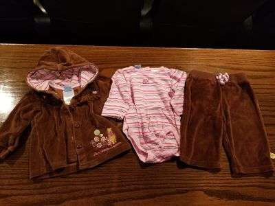 Disney Pooh 3-6 month 3 piece outfit