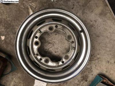 1 Nice chrome Mangel 5.5X15 wheel