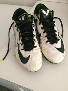 Nike football cleats size 9 1/2