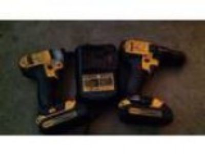 Dewalt Small impact drill and drill