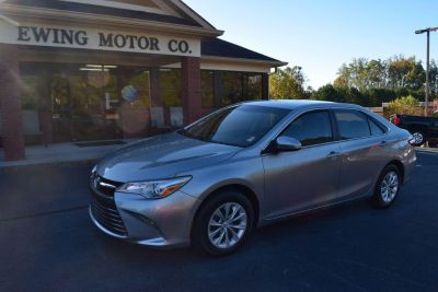 2015 Toyota Camry LE (Silver)