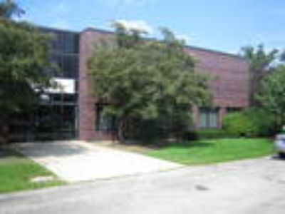 1450 N. McLean Blvd. For Lease