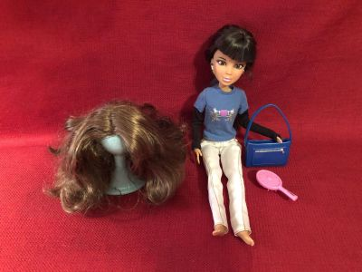 Spin Master 12 Doll Includes Two (2) Wigs, Wig Stand, Outfit, Purse, Brush. EUC