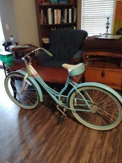 Schwinn Woman's Beach Cruiser Bike