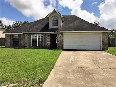 4 Bed 2 Bath Foreclosure Property in Darrow, LA 70725 - Hemingway Dr