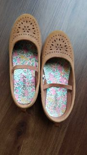Carter's flat kid shoes. Size 12. Excellent condition