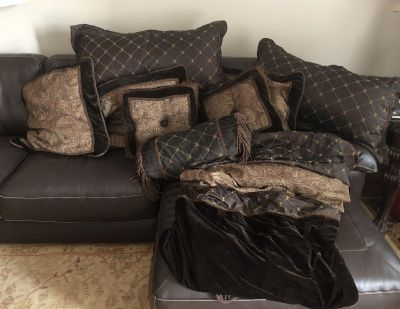 King size comforter set with a bed skirt and matching pillows