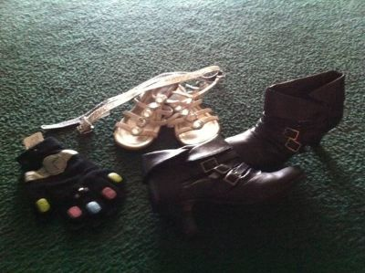 Girls size 2 ankle boots