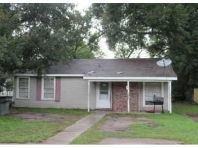 3 Bed 1 Bath Foreclosure Property in Lake Charles, LA 70601 - 8th St
